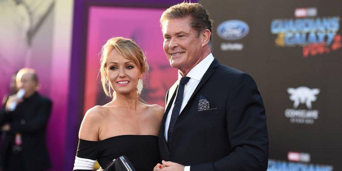 David Hasselhoff se casa con la modelo Hayley Roberts