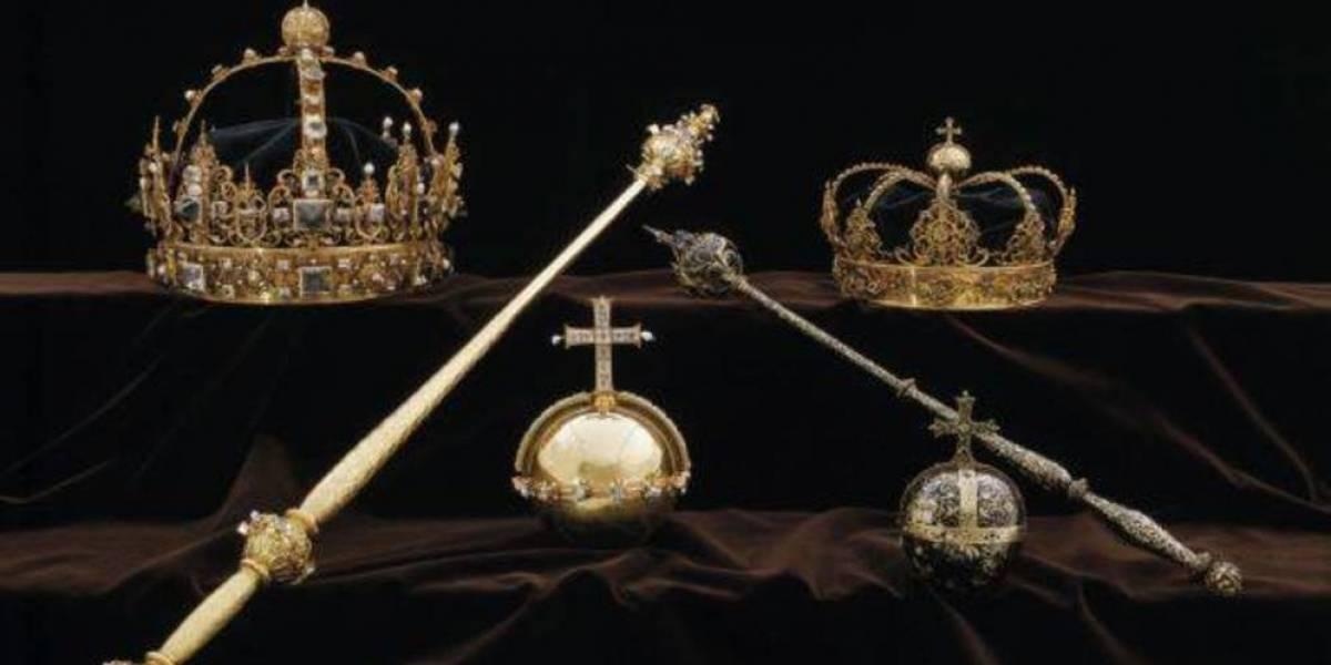 Golpe a la familia real sueca en robo de película: A plena luz del día y en lancha se llevan dos valiosas coronas del siglo XVII