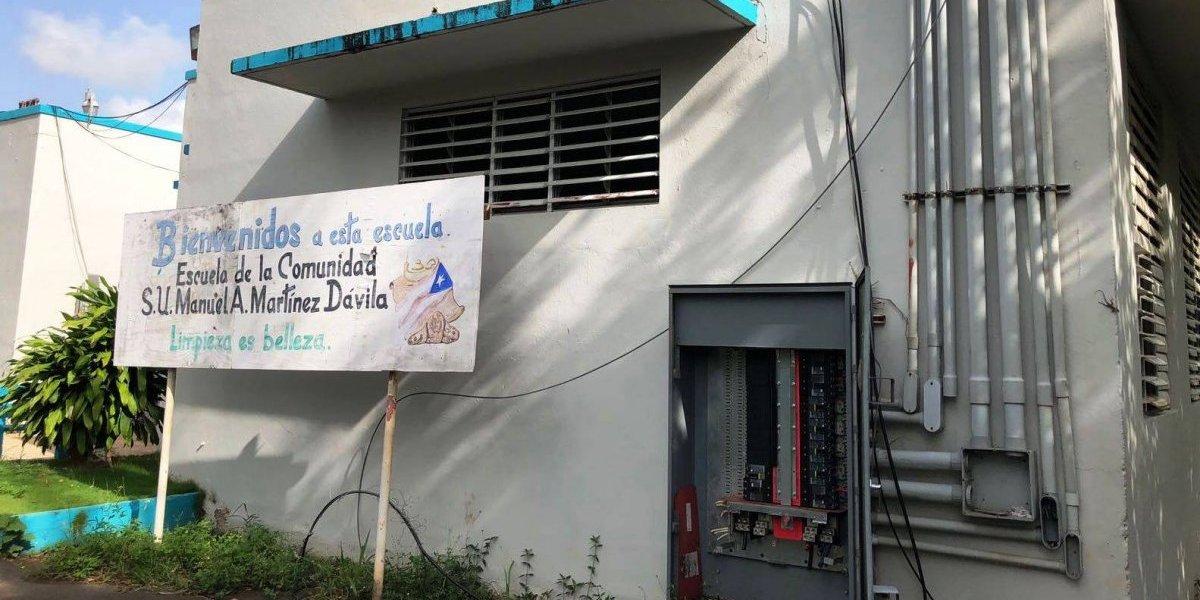 Escuela de Vega Baja continúa sin luz a días de inicio del semestre