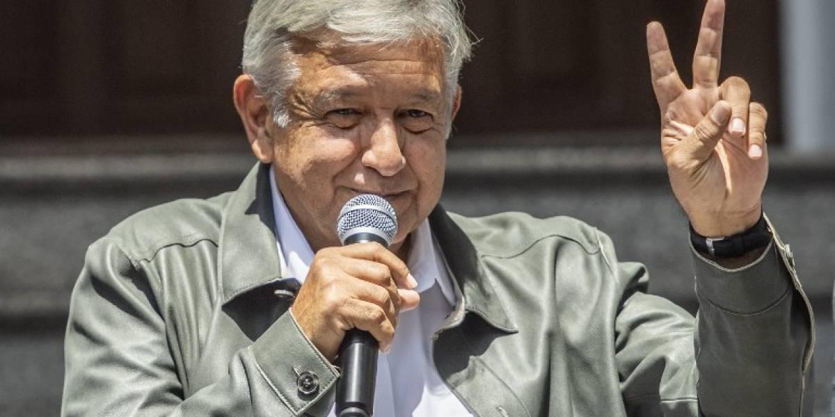 """López Obradorenvía un """"abrazo"""" a los sobrevivientes del accidente aéreo en Durango"""