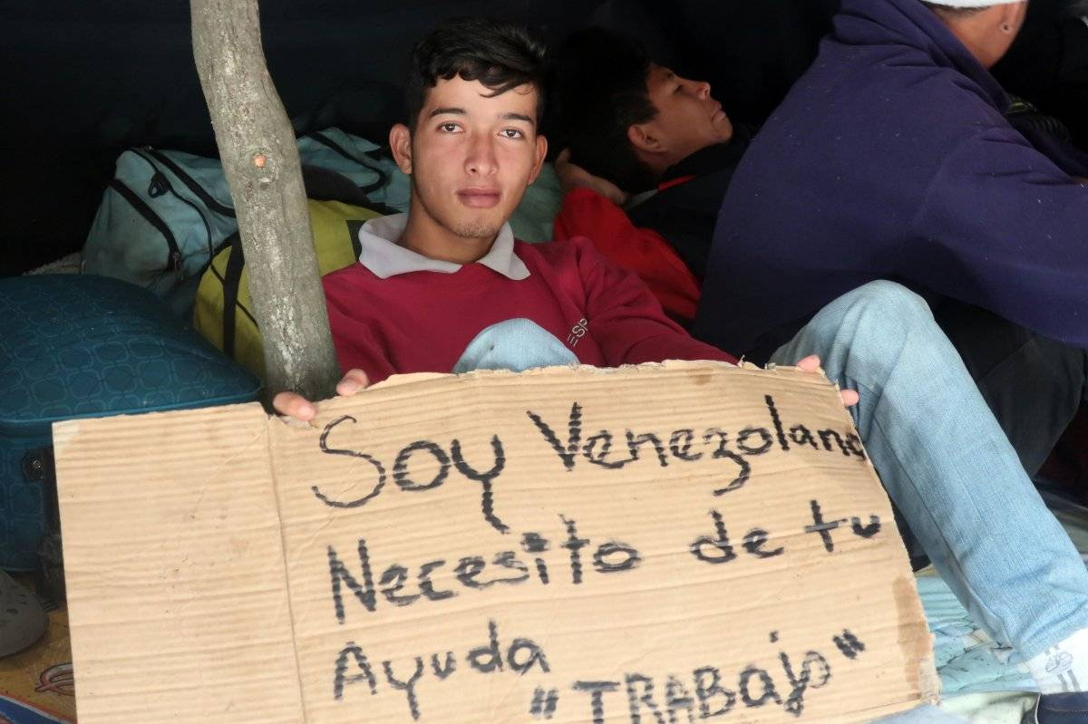 Parterre en terminal de Carcelén, parada de cientos de venezolanos camino a Perú EFE
