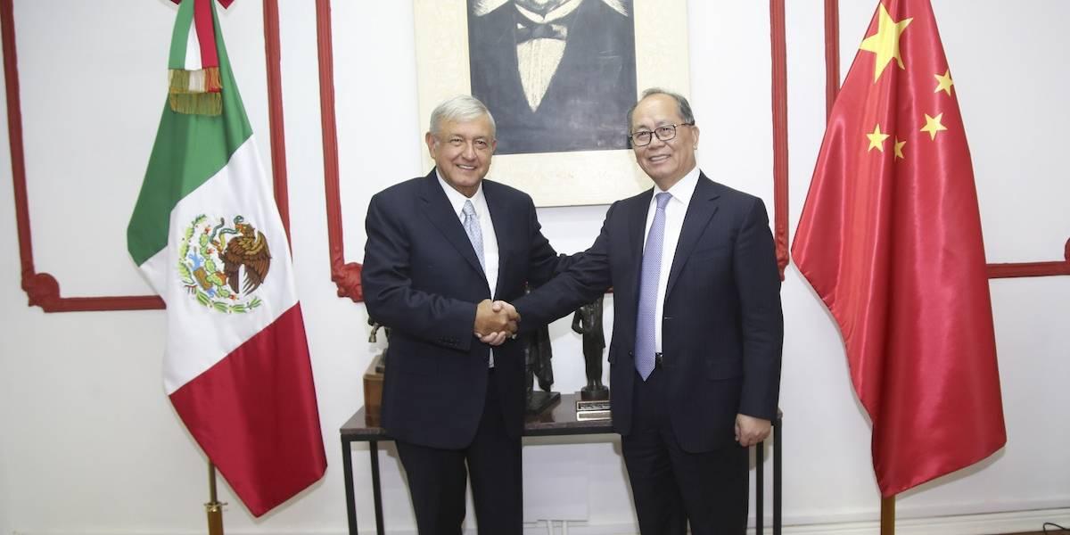 Visita embajador chino a AMLO