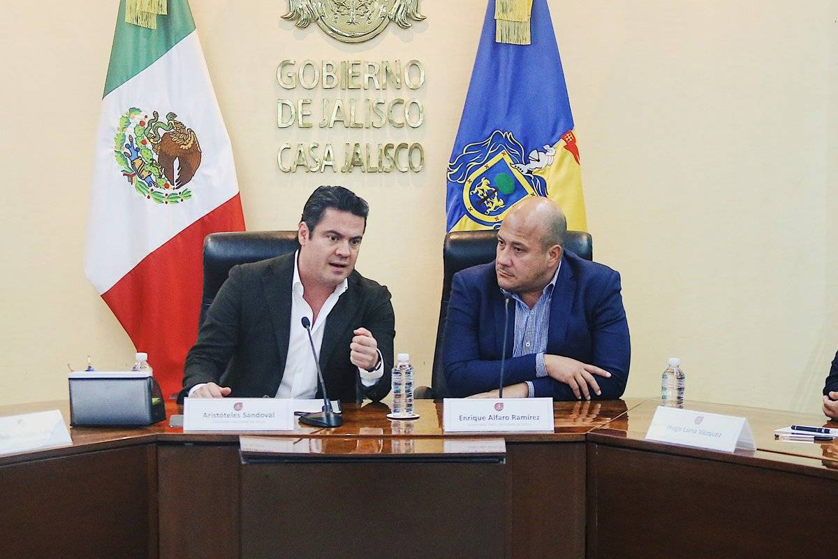 Dan primeros pasos en proceso de entrega-recepción de Jalisco