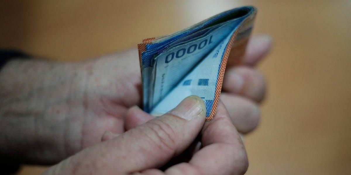 Discusión por el sueldo mínimo: ¿son inalcanzables los 422 mil pesos que pide la CUT?