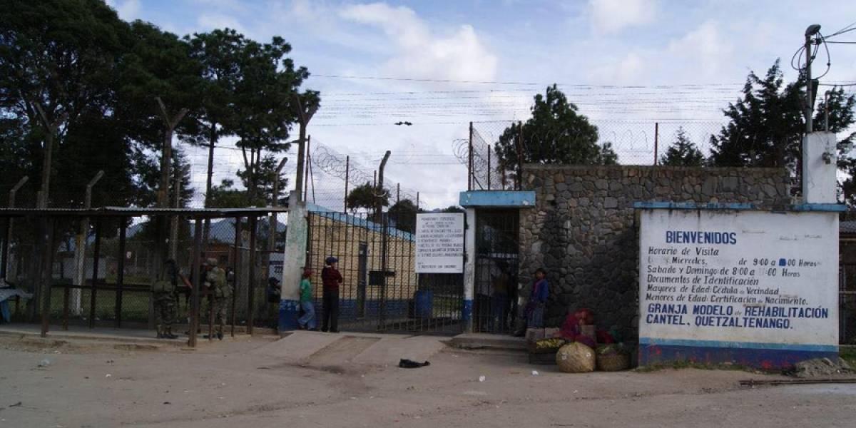 Agentes de Presidios consignados por intentar ingresar cervezas a penal en Cantel