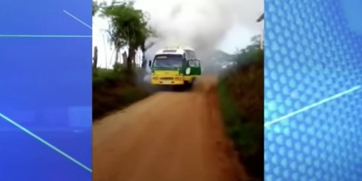 Un bus escolar se incendió y deja nueve estudiantes heridos