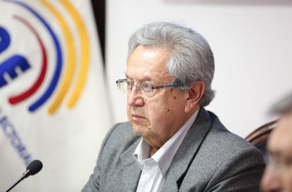 Consejo Nacional Electoral de Ecuador elige presidente transitorio