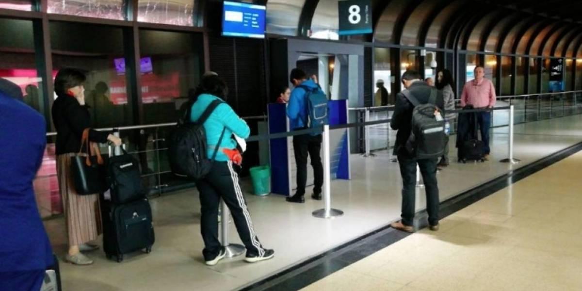 ¿Sabe a lo que tiene derecho cuando se retrasa su vuelo?