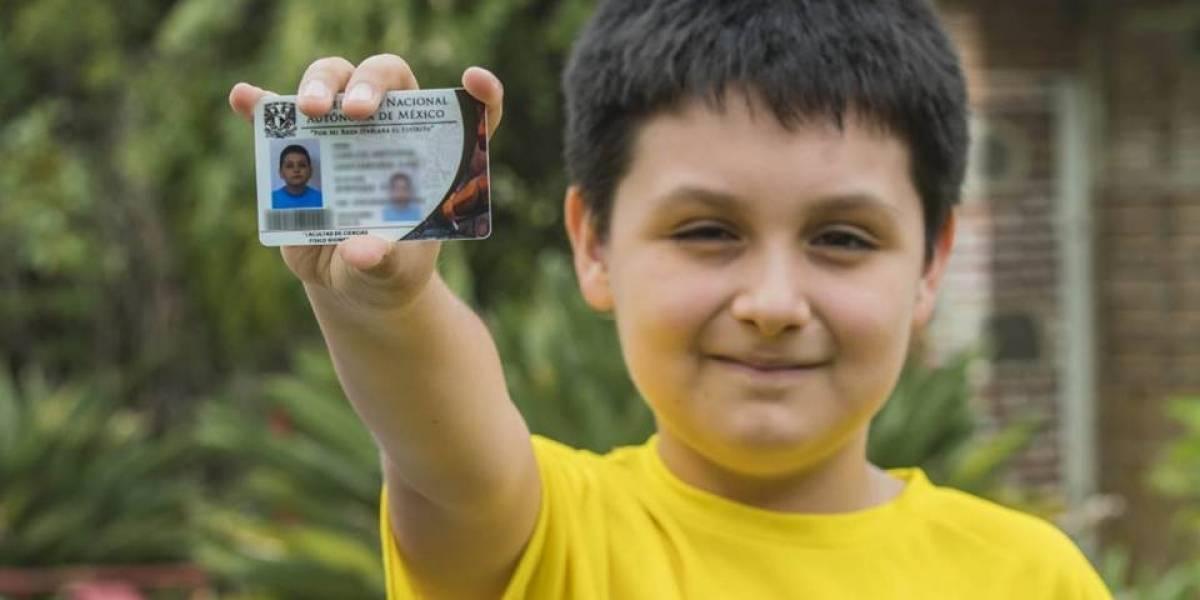 Niño de 12 años empieza a estudiar Física Biomédica en la UNAM