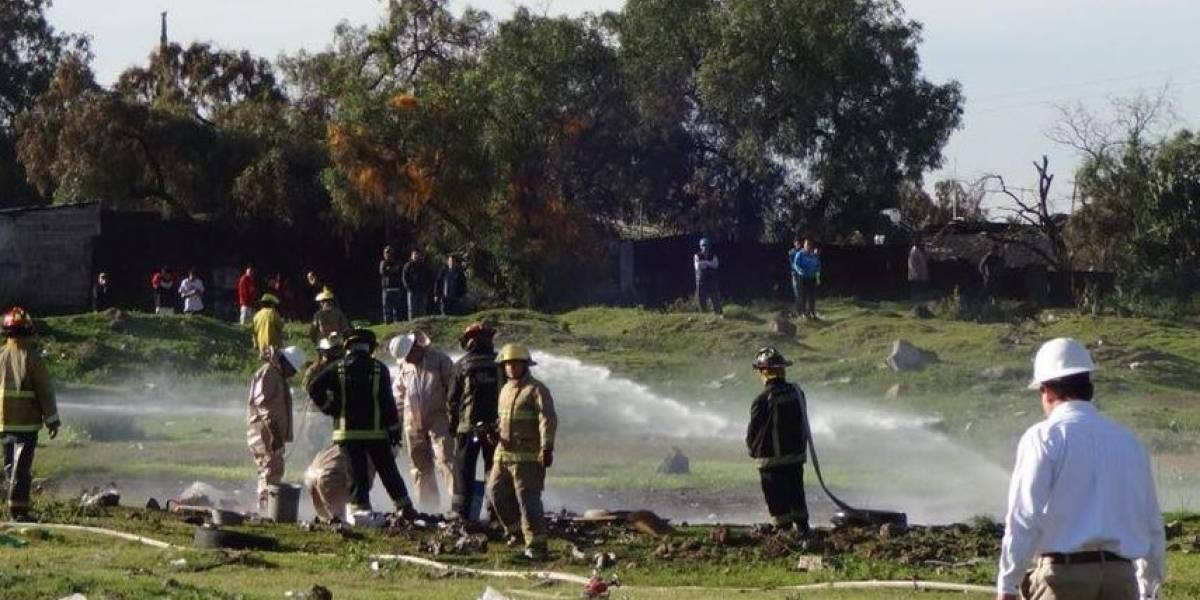 Toma clandestina provoca fuga de gas LP en Ecatepec