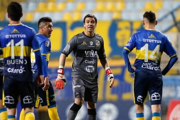 Toselli volverá a jugar a San Carlos de Apoquindo. Lo hará con la camiseta de Everton / Foto: Photosport