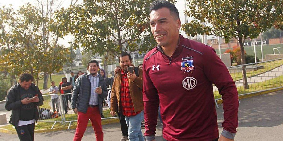 """Amenaza a los punteros: Colo Colo irá con """"casi todo"""" a Temuco y sólo guardaría a Paredes para el partido con Corinthians"""