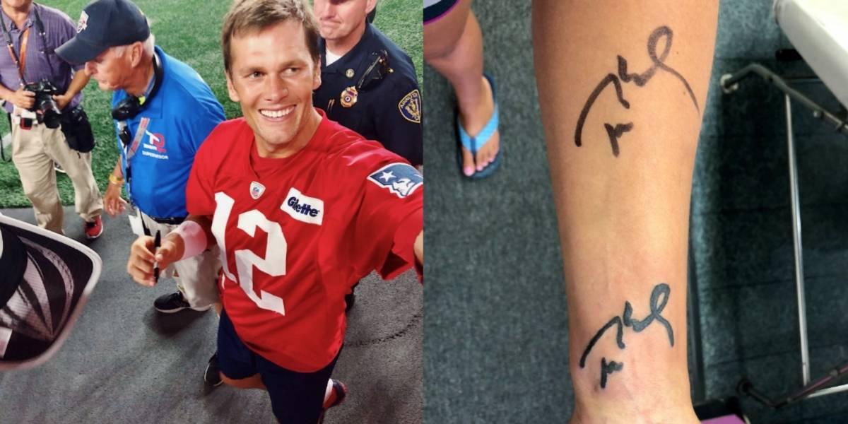 Aficionada pide autógrafo a Tom Brady en el brazo y se lo tatúa