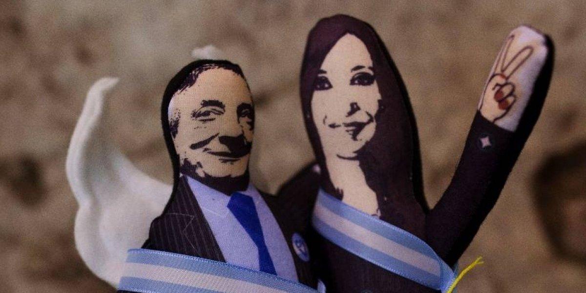 """Hasta un máximo de dos millones de pesos: gobierno de Argentina ofrece recompensa para recuperar dinero de los """"cuadernos K"""""""