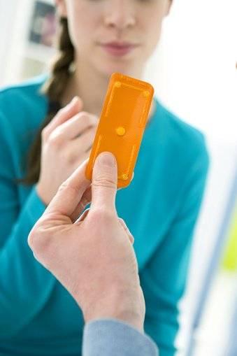 Referencial/Adolescente recibe información sobre anticoncepción