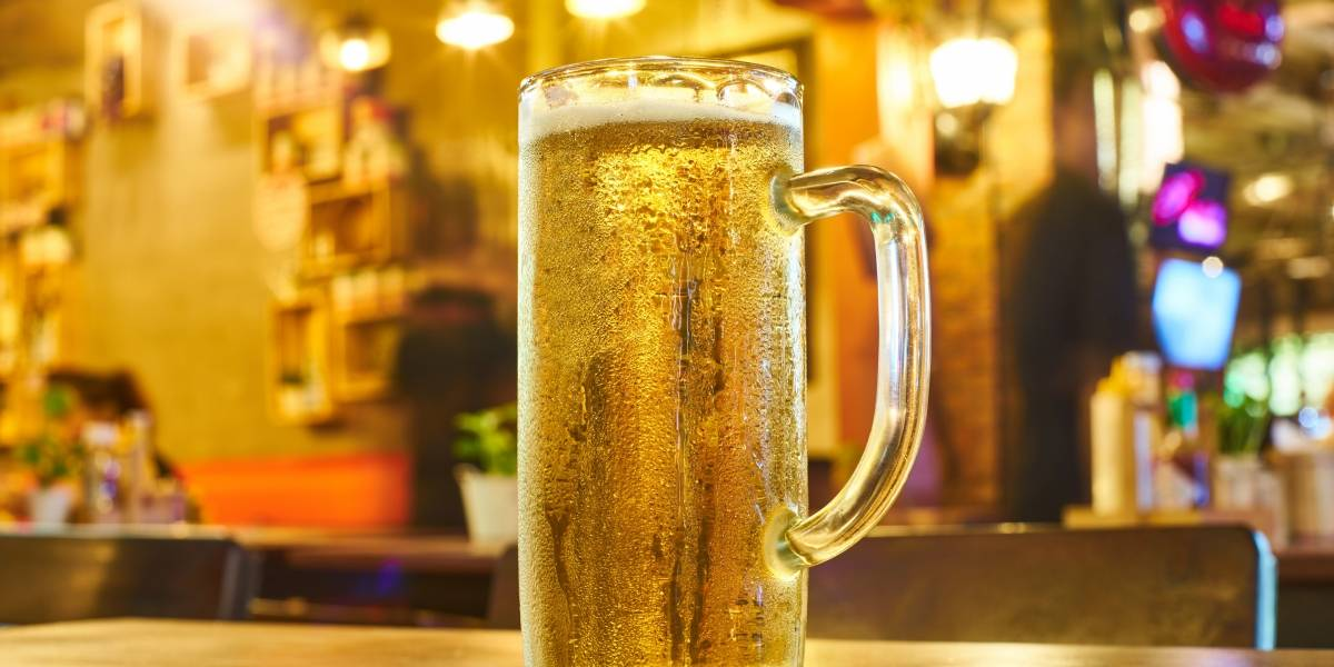 Hoje é o dia da cerveja! Saiba como a bebida é preparada