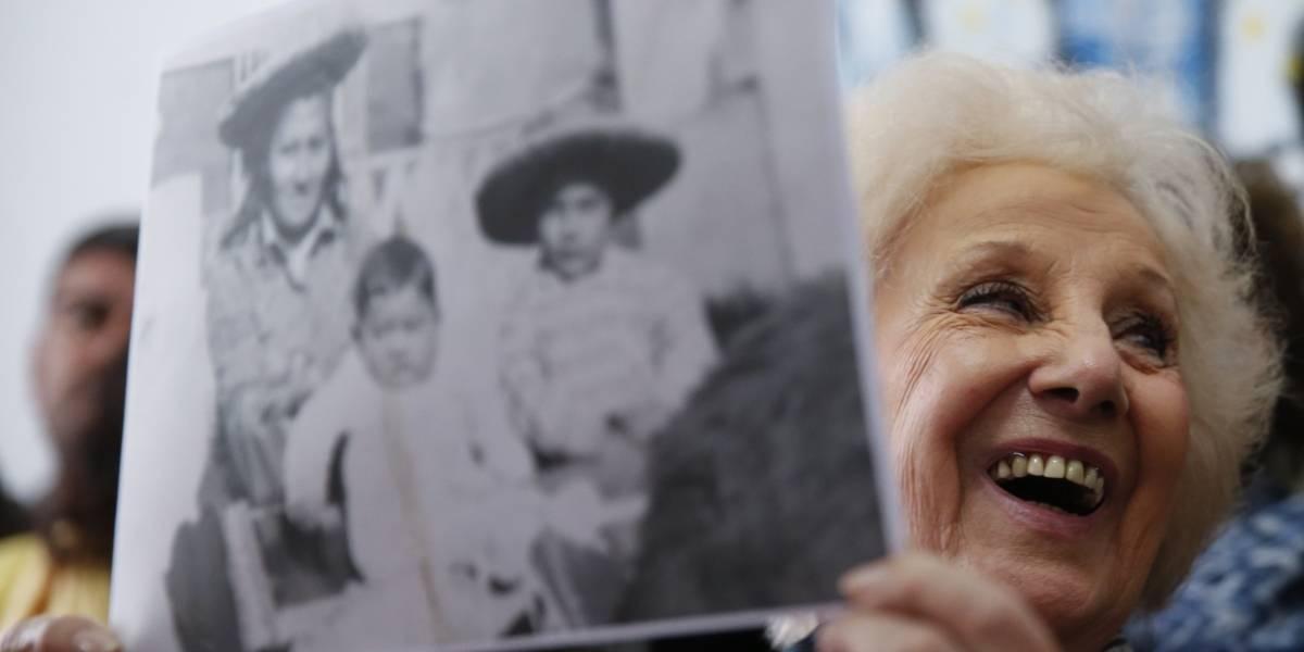 """42 años después, """"Abuelas de la Plaza de Mayo"""" recuperan al nieto 128"""