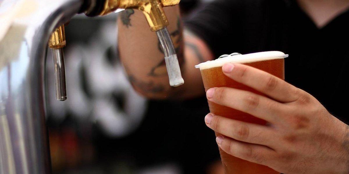 Crece como la espuma: Chile ya suma cerca de 300 cervecerías locales a su industria y marca récords de producción