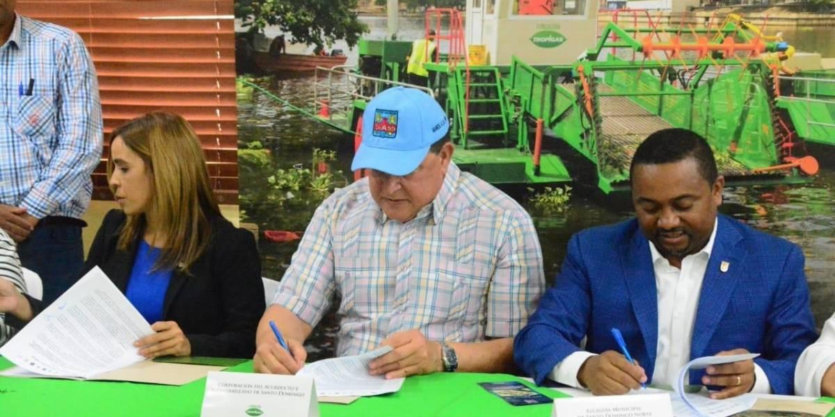Caasd y Fundación Tropigas firman acuerdo para sanear ríos Ozama e Isabela