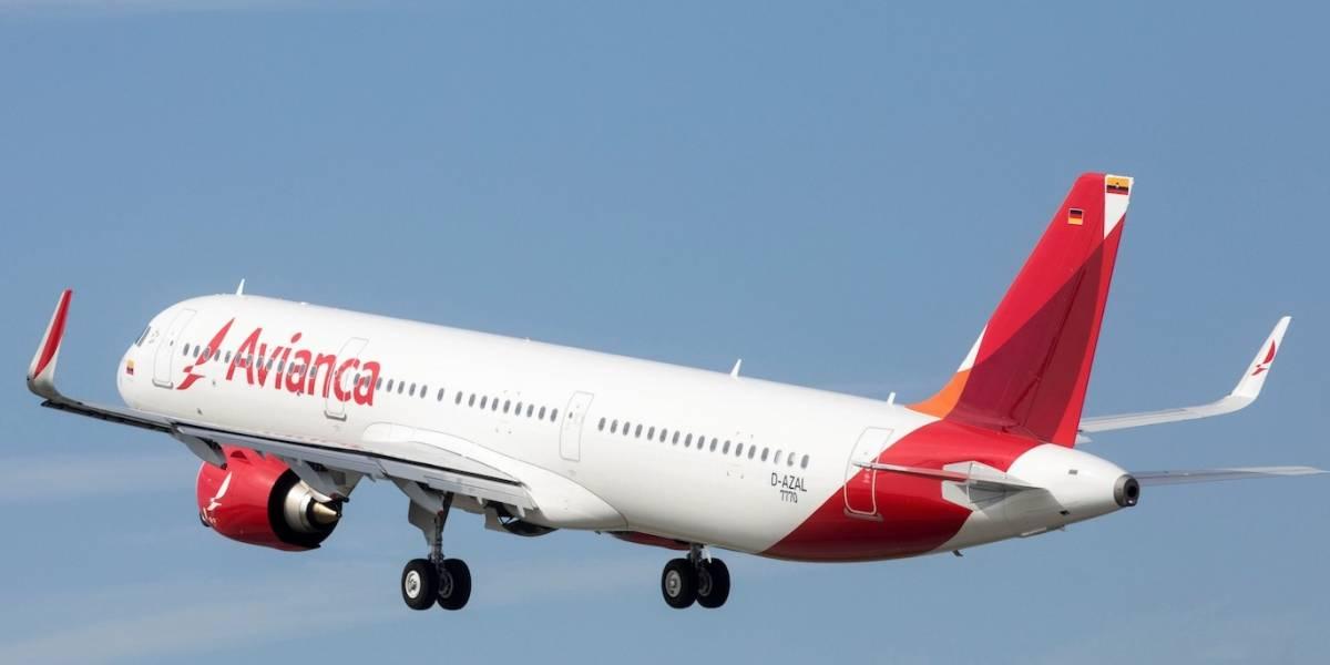 Multan a Avianca por transportar pasajero con COVID-19