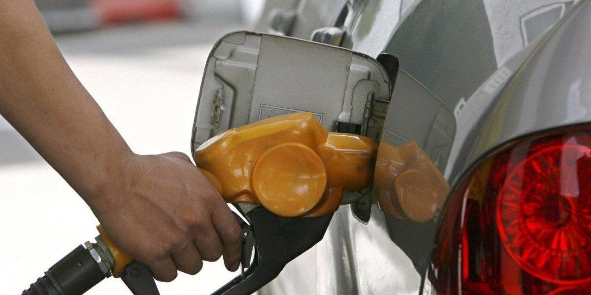 Las gasolinas y el GLP bajarán 2 pesos a partir de mañana