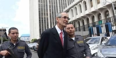 "Expresidente Álvaro Colom señalado en caso ""Transurbano""."