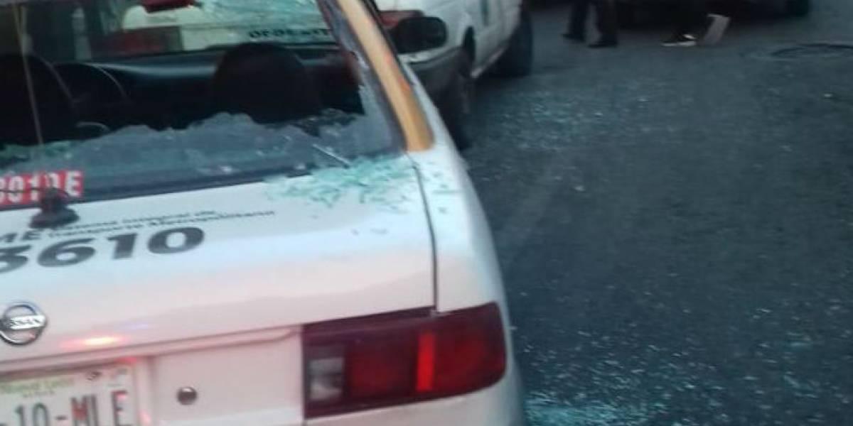 Conflicto entre taxistas deja dos heridos