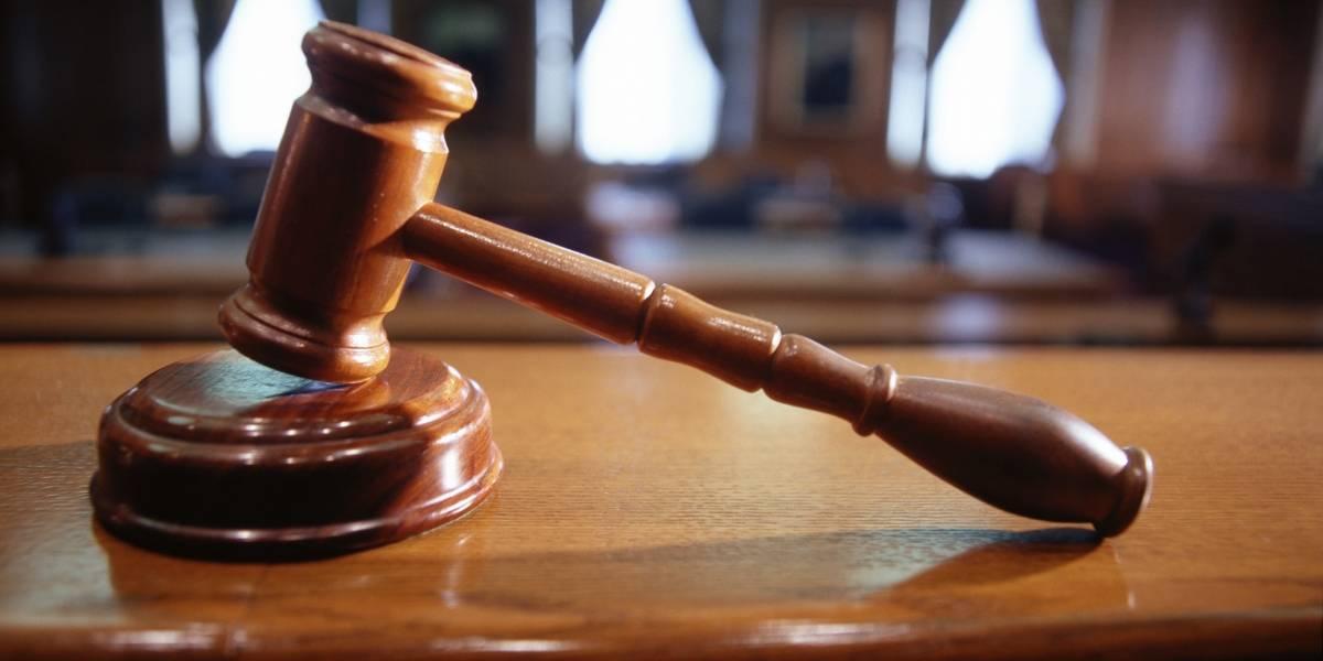 Presentan cargos contra mujer que robó a exsuegra