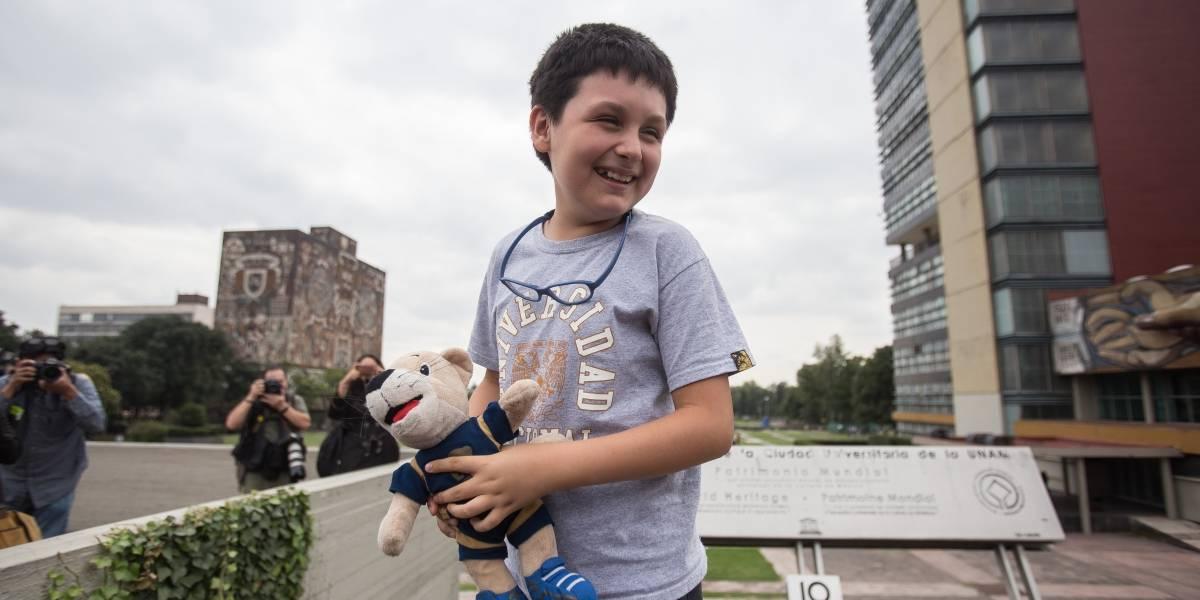 Carlos Santamaría, niño genio de la UNAM, denuncia acoso de profesores
