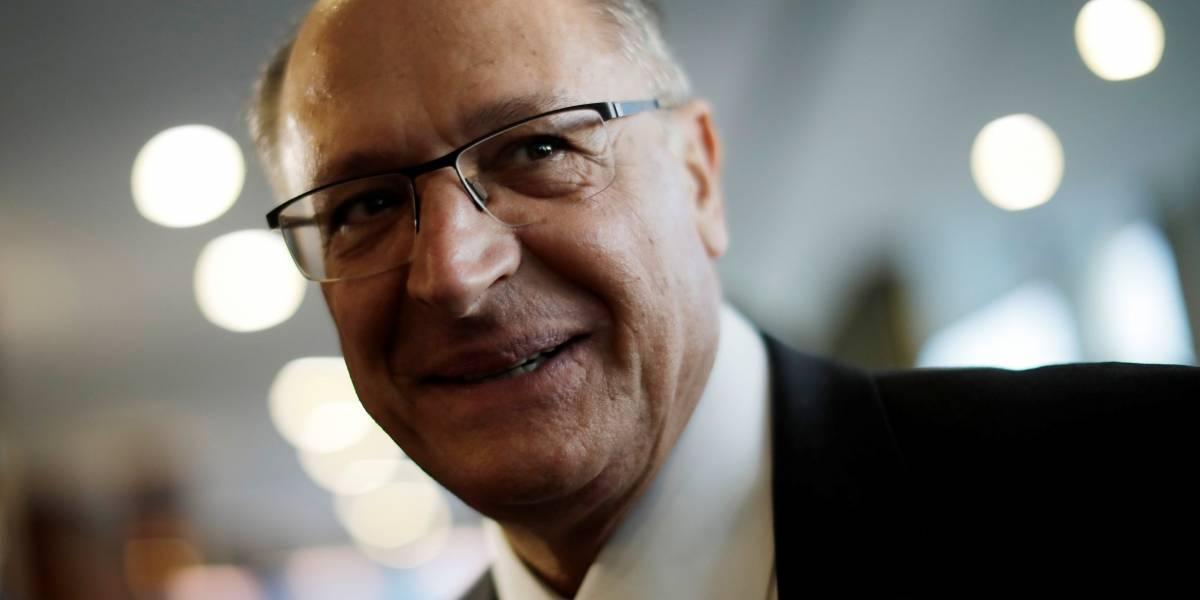 Alckmin, sobre ataque a Bolsonaro: política se faz com diálogo e convencimento