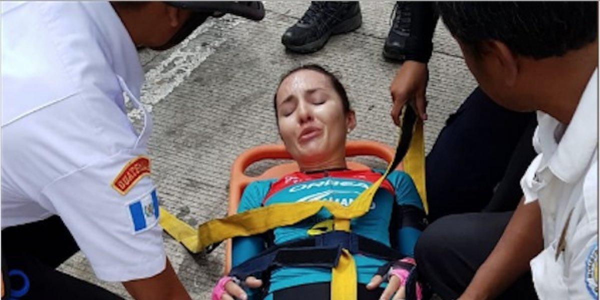 Ciclista tica sufre caída en la Vuelta Femenina y es llevada a un hospital