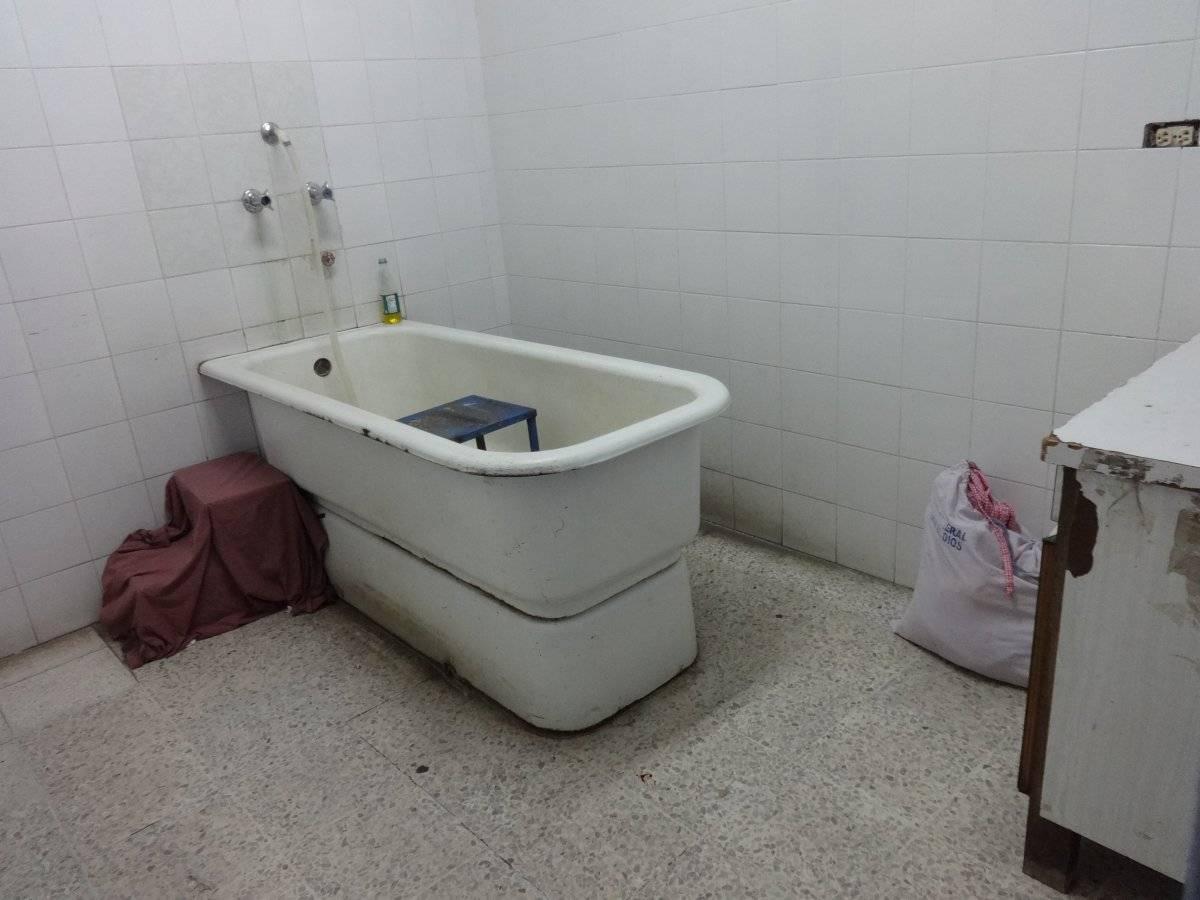 Área de baños para los pacientes. Foto: Jerson Ramos