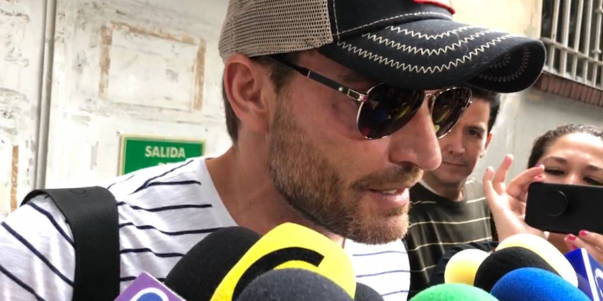 """Telediario: Se reencuentra con su hijo Julián Gil"""""""