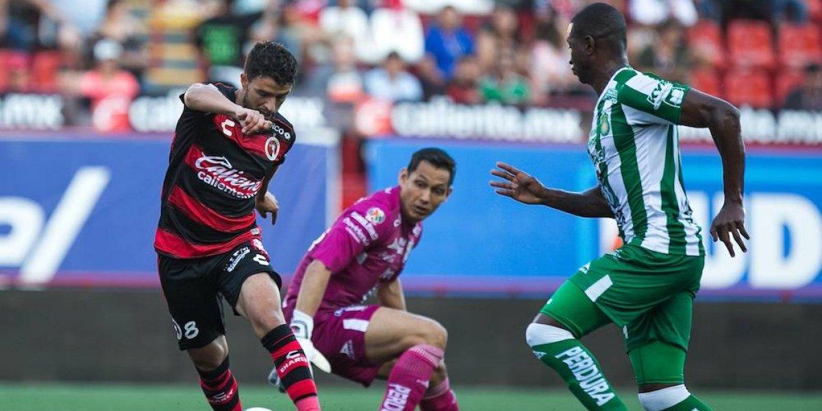 Xolos rescata empate ante León pese a jugar con 10 hombres