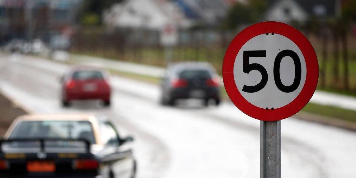 Estas son las multas que podrías pagar si no respetas la nueva velocidad máxima de 50 km/h en las zonas urbanas