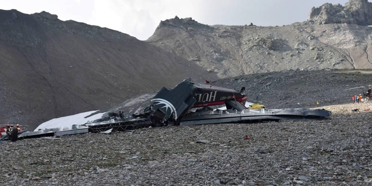 Mueren 20 personas tras estrellarse un avión a hélice de más de 70 años en los Alpes suizos