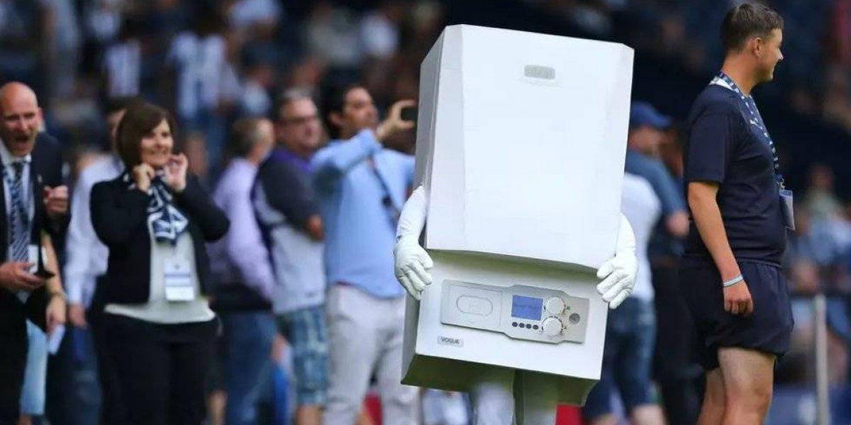 'Boiler-man', la peor mascota en la historia del futbol