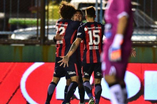 Paulo Díaz se acostumbra a celebrar en Argentina / imagen: Twitter San Lorenzo