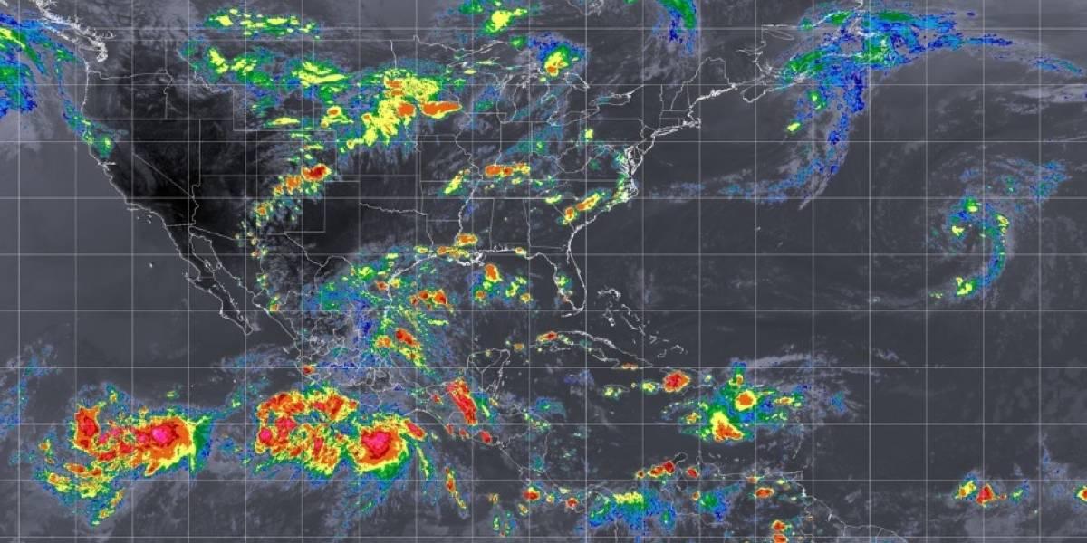Héctor se convierte nuevamente en huracán de Categoría 4