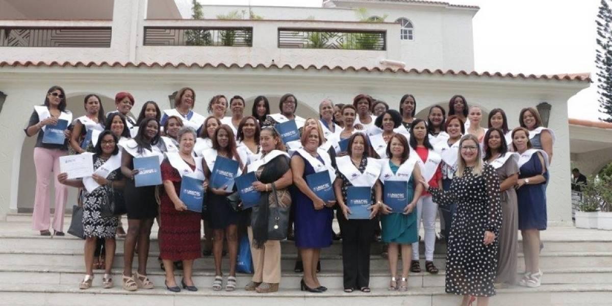 Fundación Belcorp concluye Diplomado 'Grandes Mujeres'