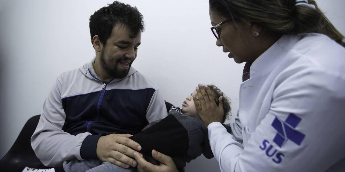 Vacina contra pólio alcança 15% do alvo desde sábado em SP; meta é atingir 95%