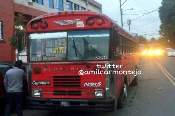ataque armado contra bus ruta 23
