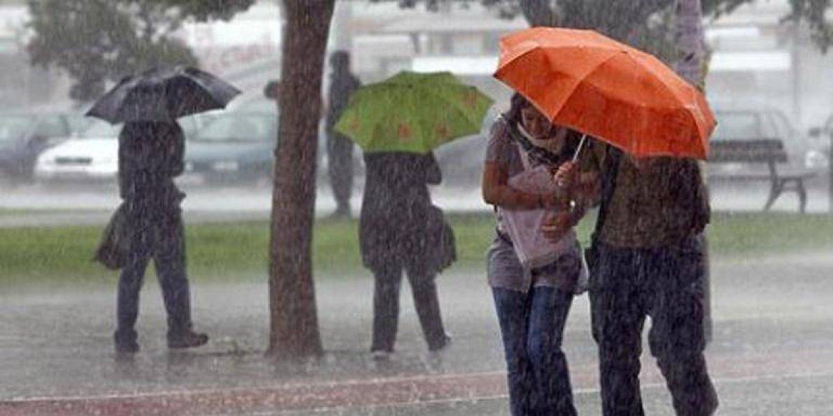 Vaguada continuará generando más lluvias hoy en gran parte del país