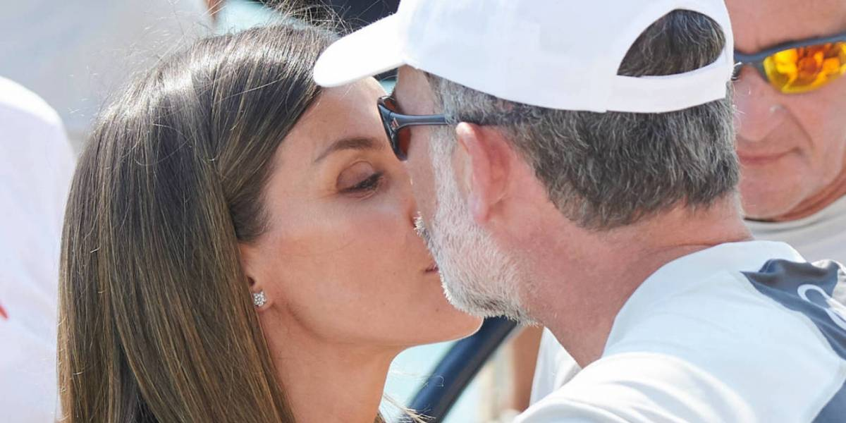 Ya nadie les cree: el actuado beso de Felipe y Letizia que dejó muchas dudas