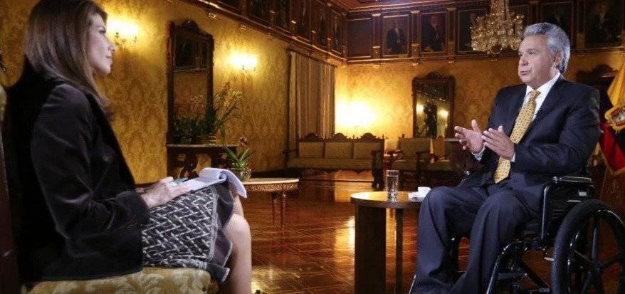 Lenín Moreno no descarta subir el precio de la gasolina en entrevista con Univisión Ecuador TV