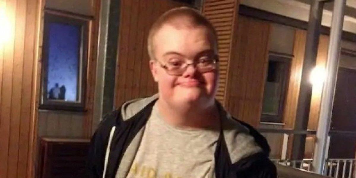"""Policías matan a joven con síndrome de Down que """"huía"""" con pistola de juguete"""