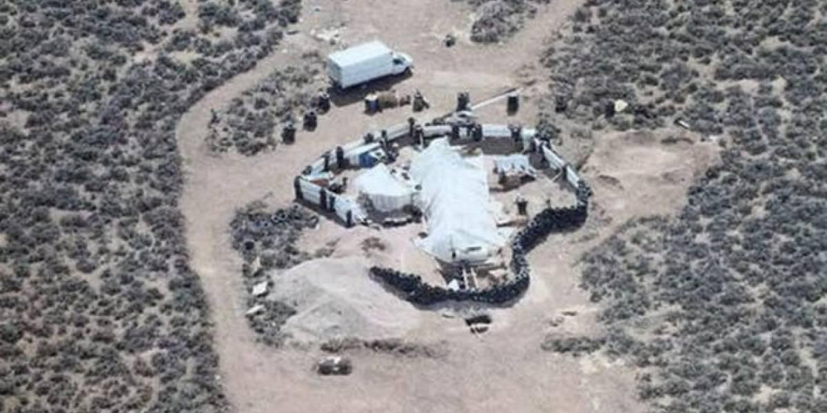 Rescatan a 11 niños en cautiverio en el desierto de Nuevo México