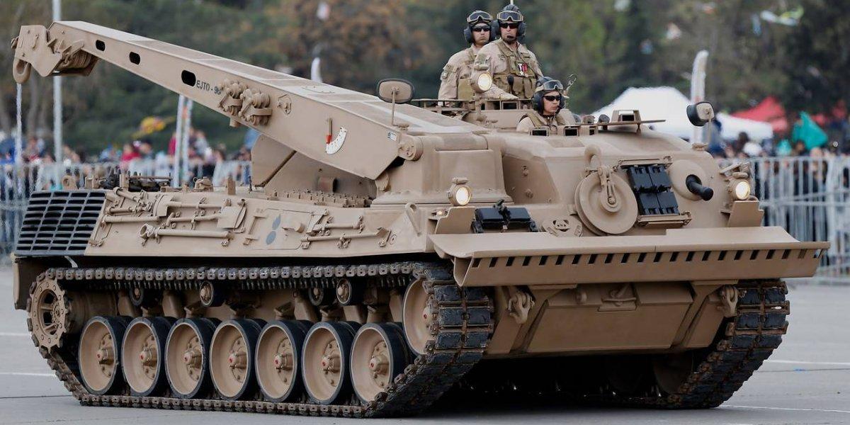 """Derogación de la Ley Reservada del Cobre: Piñera firma indicación para acabar con el """"déficit de transparencia"""" en financiamiento militar"""