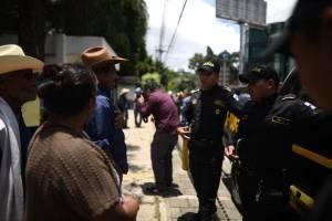 pobladores de Jumaytepeque manifiestan en la zona 10