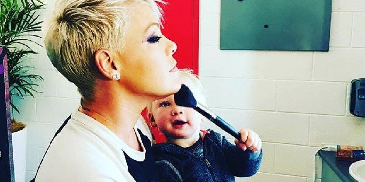 Hospitalizan a la cantante Pink